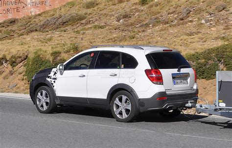 chevrolet captiva opel antara facelift spied