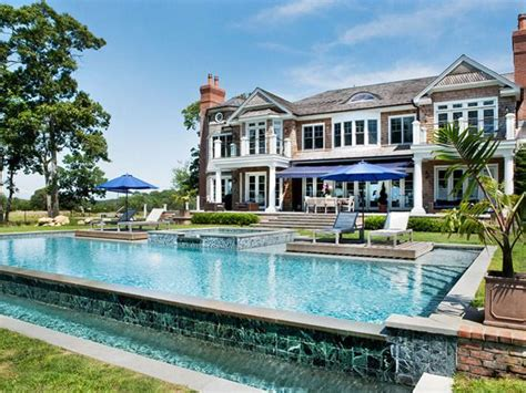 6 Best Pools At The Hamptons' Most Expensive Homes