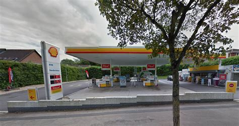 Shell Garage Road by Two Wanted By Following Late Petrol