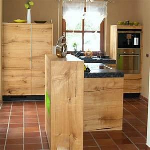 Tischlösungen Für Kleine Küchen : kleine k che ganz gro holzk che mit steinarbeitsplatte kubus mit dekoelement in gr n ~ Sanjose-hotels-ca.com Haus und Dekorationen