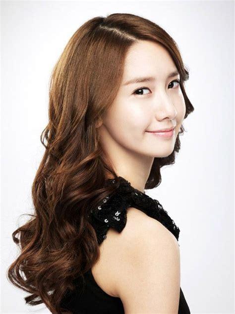 yoona hair style curly hair kpop korean hair and style 5814