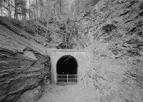 Stickpile Tunnel - Wikipedia