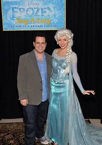 Josh Gad, Voice of Olaf, Suprises Frozen Sing-A-Long ...