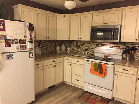 black kitchen cabinets lowes lowes caspian cabinets off white kitchen cabinets
