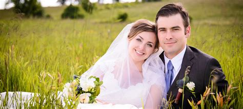 professional outdoor wedding photography woodhouse photography weddings servicing peterborough
