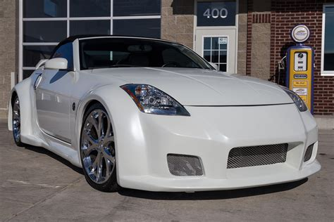 2005 Nissan 350z Expert Reviews Specs Photos