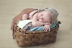 Panier Osier Enfant : fonds d 39 ecran b b dormir panier en osier enfants t l charger photo ~ Teatrodelosmanantiales.com Idées de Décoration