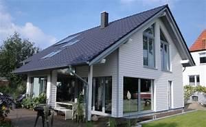 Haus Amerikanischer Stil : 1001 tolle ideen f r amerikanisches holzhaus mit veranda ~ Frokenaadalensverden.com Haus und Dekorationen