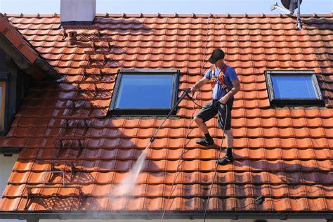 entretenir sa toiture nettoyage d 233 moussage et hydrofuge domaine et patrimoine de