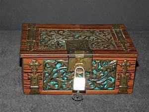 Boite Avec Cadenas : boite vintage coffre en metal sculpte de vegetaux avec cadenas et clef petits coffres ~ Teatrodelosmanantiales.com Idées de Décoration
