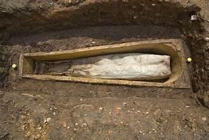 Elderly Mystery Woman Found Buried in Coffin Near Richard ...