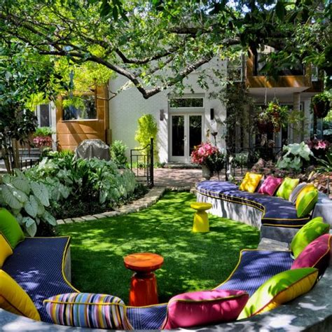 Gorgeous Backyards by Easy Ways To Spruce Up Your Garden For
