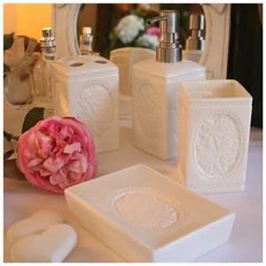 Accessoires Pour Salle De Bain : le guide des accessoires de salle de bain ~ Edinachiropracticcenter.com Idées de Décoration