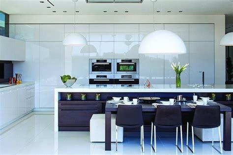 belles cuisines contemporaines très maison au design unique à beverly