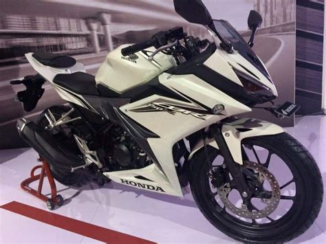 cbr 150r 2016 cbr 150r launched in indonesia priced from rs 1 45