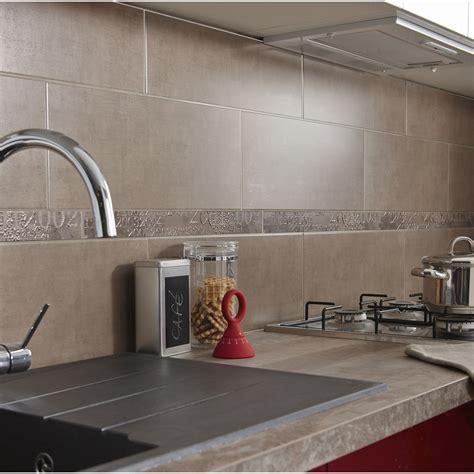 cuisine mur taupe decoration cuisine blanche