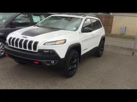 white jeep cherokee 2017 2017 white jeep cherokee trailhawk youtube