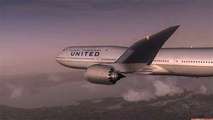 United Airlines 747-8i Over San Francisco