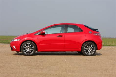 Honda Civic Hatchback Photo honda civic hatchback 2006 2011 photos parkers