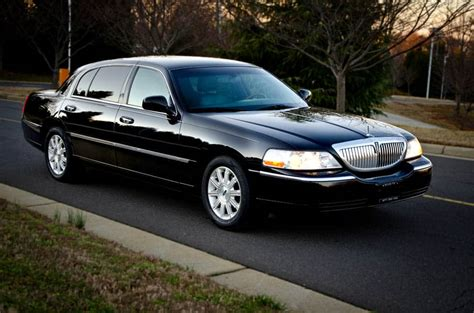Airport Town Car by Luxury Town Car Transfer To Courtleigh Hotel From Kingston