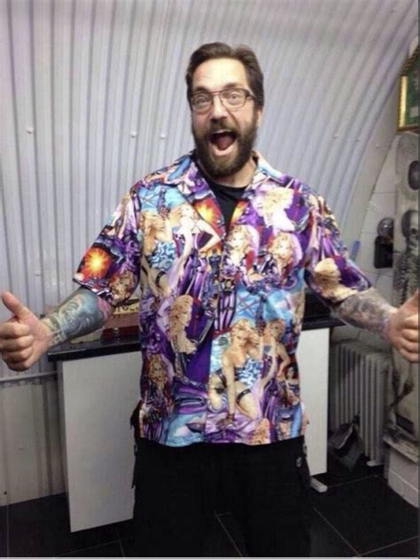 What Not To Wear To A Comet Landing Balloon Juice
