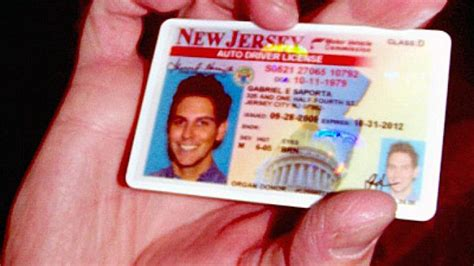 New Jersey Bans Smiles On Driver's Licenses To Safeguard