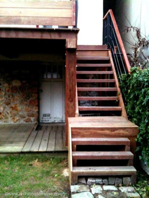 marche escalier sur mesure escalier marches bois sur mesure de terrasse en hauteur balcon perron