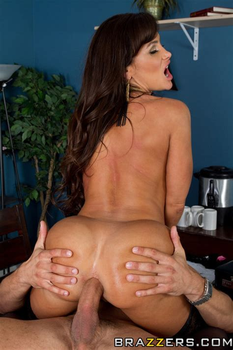 MILF Lisa Ann Demo Everything To Her Lawyer MILF Fox
