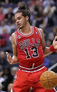 Joakim Noah leading Chicago Bulls back into contention in ...