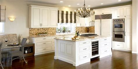 light coloured kitchens a chat with an interior designer bradco kitchen bath 3735