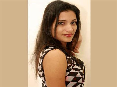 Indian Hot Actress Mallu Model Rashmi Nair Topless Hot