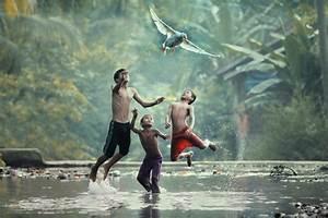 Photographer taufik sudjatnikas incredible photos of life for Photographer taufik sudjatnikas incredible photos of life in indonesia