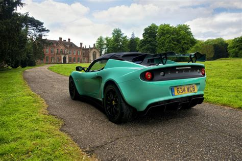 new lotus elise 250 features styling tweaks and a weight reduction