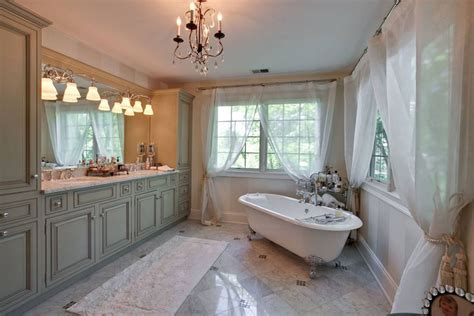 Ideas For Bathrooms With Clawfoot Tubs by 27 Beautiful Bathrooms With Clawfoot Tubs Pictures