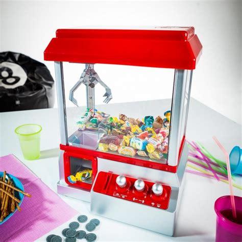 canapé lolet une machine pour attraper des bonbons comme dans les