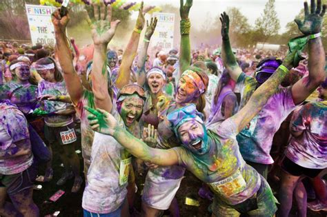 the color run atlanta color run bringing explosions of color and thousands of