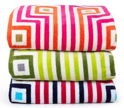 jonathan adler furniture joelledesign bold towels