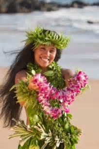 wedding leis the symbolism of hawaiian leis the truly hawaiian story