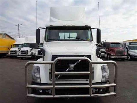 volvo 2013 truck volvo vnl64t300 2013 daycab semi trucks