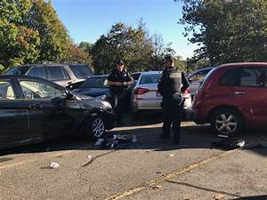 Accident Parking Sans Tiers Identifié : man critically injured in parking lot crash in stamford stamfordadvocate ~ Medecine-chirurgie-esthetiques.com Avis de Voitures