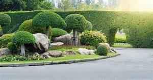Garten Und Landschaftsbau St Ingbert : garten und landschaftsbau mit dekorativen b ume stockfoto sirastockid08 63279051 ~ Markanthonyermac.com Haus und Dekorationen