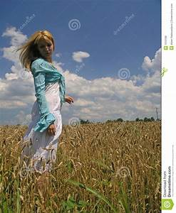 Girl In Field Royalty Free Stock Photos - Image: 1010188