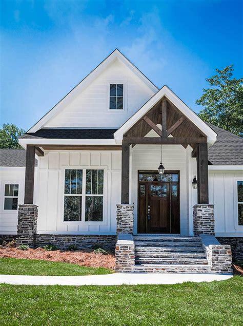 plan hz bed contemporary craftsman bonus garage white exterior houses