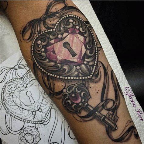 4 Beautiful Lock And Key Tattoos For Girls