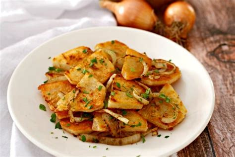 lyonnaise potatoes lyonnaise potatoes tasty ever after