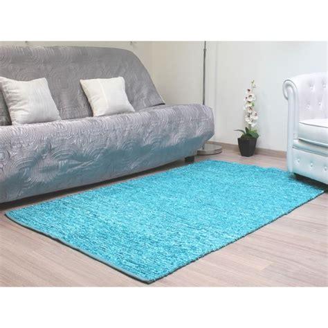 tapis de salon bleu turquoise idees de decoration interieure french decor