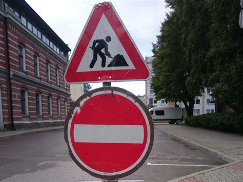 Slēgs satiksmi Krūmu ielā | liepajniekiem.lv