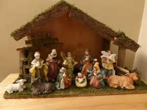 christmas nativity set medium 11 piece wooden nativity stable scene 41cm wide