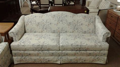 thomasville camel  sofa delmarva furniture consignment