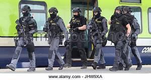 Members of the Garda Emergency Response Unit and Regional ...